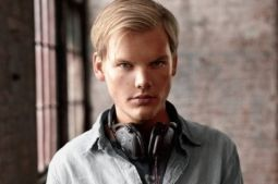 """Broken Arrows"": AVICII divulga faixa inédita #Avicii, #Novo http://popzone.tv/broken-arrows-avicii-divulga-faixa-inedita/"