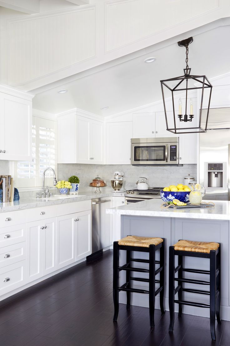 newport beach house kitchen