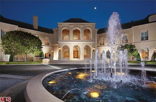 Tour #CandySpelling's Mansion >> http://www.frontdoor.com/buy/celebrity-home-spotlight-candy-spelling/pictures/pg15/p2?soc=pinterest#