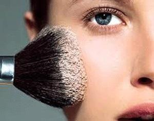 Comment faire de la poudre translucide maison. La poudre translucide est un produit de beauté très utile pour permettre au maquillage de se maintenir en bon état pendant plus longtemps et que notre peau reste parfaite et douce. En outre, elle est ...