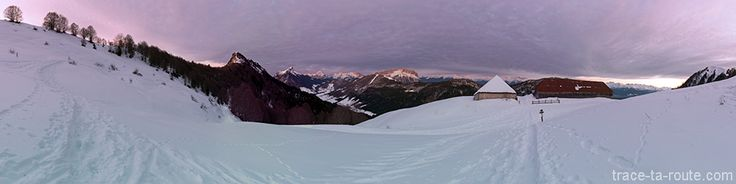 Chalet de la Buffaz sous la Pointe de la #GALOPPAZ dans le Massif des #Bauges sous la #neige #hiver #raquettes #montagne #Alpes #Savoie