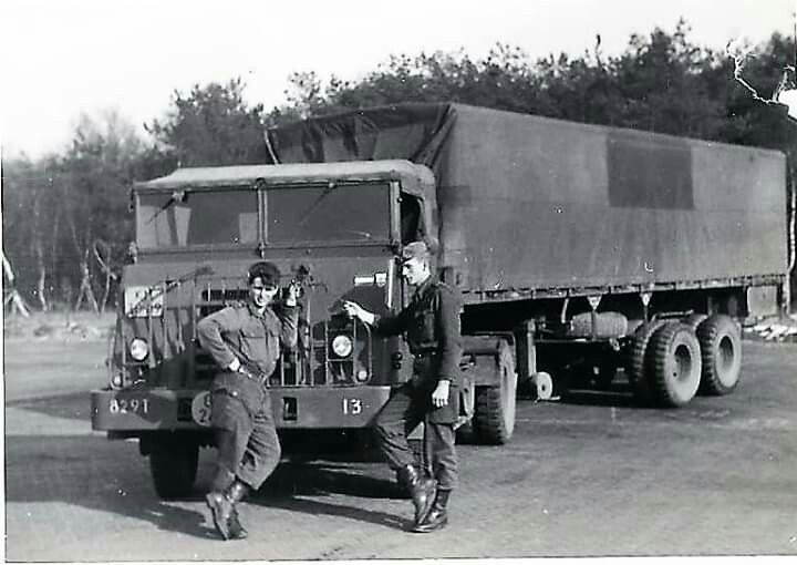 Pin Van David Valdovinos Op Retro Trucking Leger Militair Oude Trucks