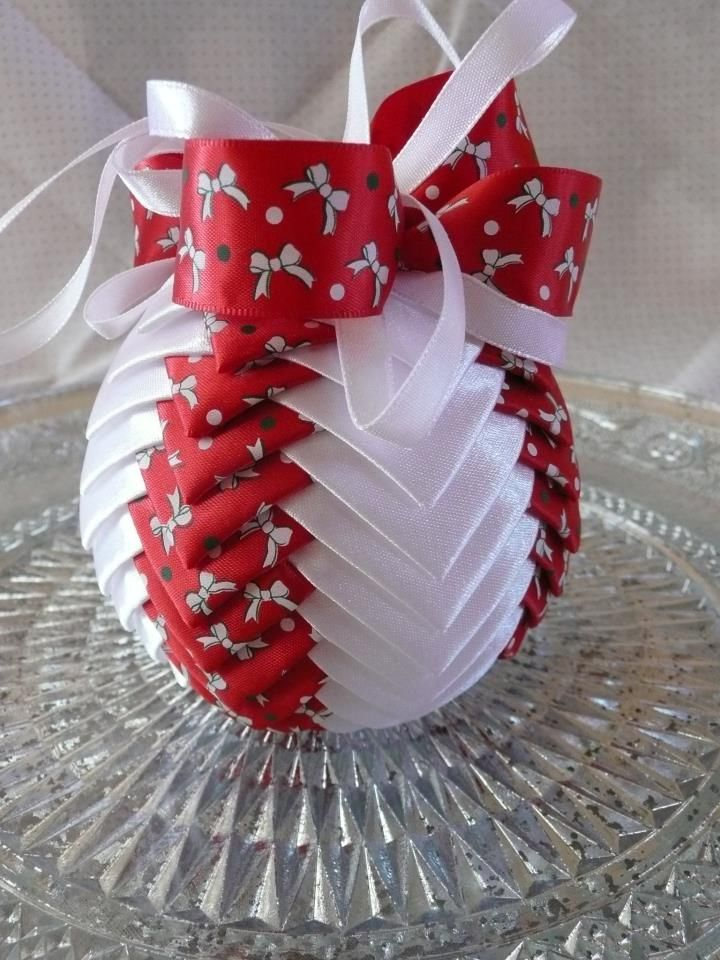 crafts with ribbons ideas 17 best images about quilted ornaments on 4161
