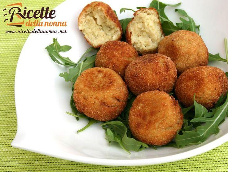 Polpette di patate e cavolfiore  http://ift.tt/1p9tOuh #polpette #patate #cavolfiore #secondipiatti #vegan #vsco #foodstyle #food #cooking #foodstagram #follow #followme #instagood #instalike #instadaily #recipe #italianrecipe #italianfood #ricettedellanonna #love #happy #italy #passione #fotooftheday #foodblogger #chef #beautiful #foodgasm #foodporn #vscofood