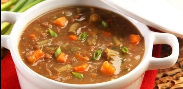 Sopa creme de lentilha e legumes