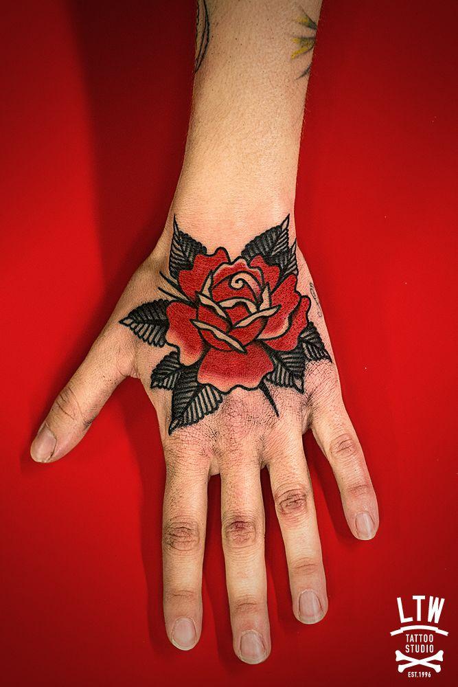 Artista: Dennis - LTW Tattoo Barcelona
