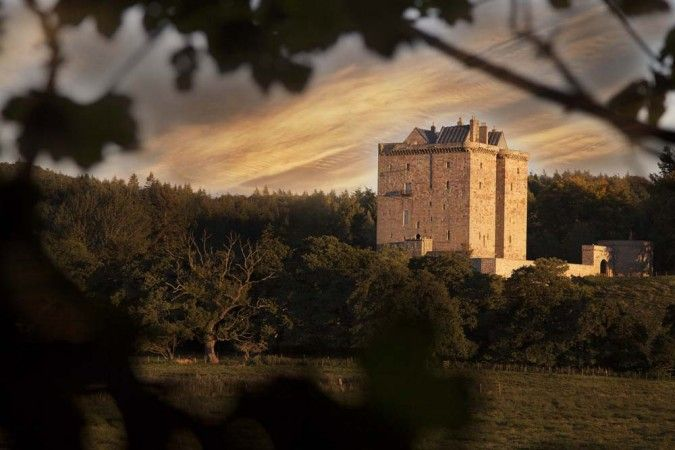 Celebrate like royalty at this fairytale property in the Scottish midlands.