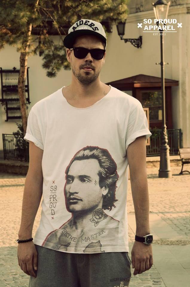 Tricourile cu Eminescu te fac să simţi româneşte. Un brand urban care susţine naţionalismul #eminescu #romania