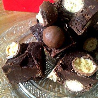 Easy 3 Ingredient Chocolate Malteser Fudge