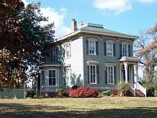 OldHouses.com - 1870 Italianate Victorian - PINECREST - 1870 ITALIANATE VICTORIAN ESTATE in Centerville, Iowa