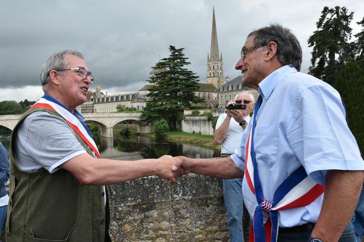 Fête du pont 2015 - Rencontre des maires de Saint Savin et Saint Germain.