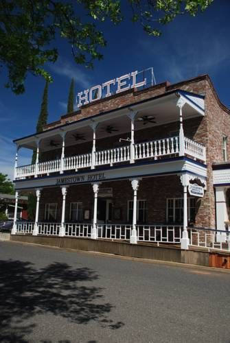 Jamestown Hotel Jamestown (California) Offering a bar and restaurant, this hotel is located in the Gold Country town of Jamestown in the Northern California foothills. It offers free WiFi access. Mountain Springs Golf Club is 8.6 km away.