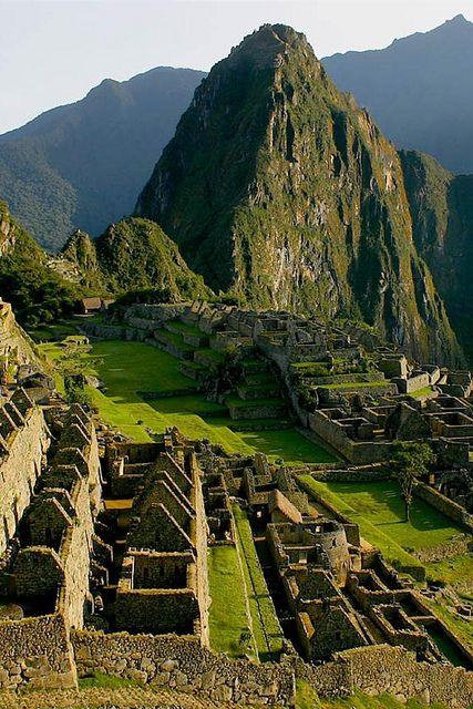 Explore Machu Picchu, Peru con muchos monumentos ,el sitio ideal para viajar y saber mucho sobre el antiguo Machu Pichu
