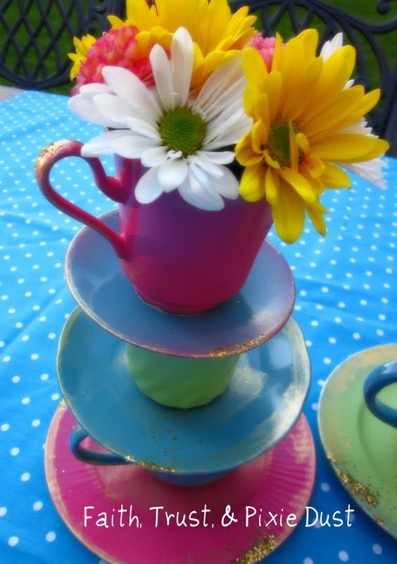 Cute ceterpieces for a Mad Hatter Tea Party!