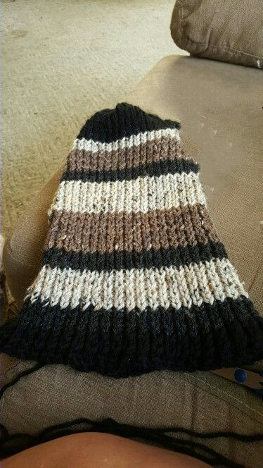 Baby Knitting Free Patterns : 26 best images about Knitted hats and scarfs by T on Pinterest Wool, Charco...