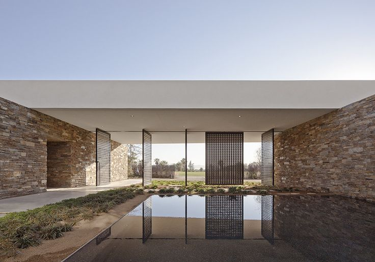 Image 4 of 19 from gallery of Madison House / XTEN Architecture. Photograph by Steve King