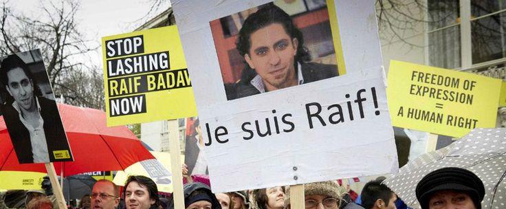 http://www.estrategiadigital.pt/raif-badawi/ - Dois dias depois do atentado à redação da publicação francesa Charlie Hebdo, um outro homem pagou um preço elevado por expressar o seu direito à liberdade de expressão, mesmo estando a milhares de quilómetros de distância. Raif Badawi, de 31 anos, recebeu as primeiras 50 de 1000 vergastadas. O crime que cometeu? Questionar questões religiosas através do blog Rede Liberal Saudita.