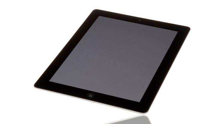 The third generation Apple iPad is equipped with the Apple iOS 5, a double core 1GHz A5X processor with quad-core graphics for high resolution graphics efficiency, a flash memory size of 16 GB and it is Wi-Fi all set. The large 9.5 inch retina display features an outstanding 2048 x 1536 pixels or 264 pixels per inch.