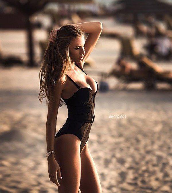 Anastasia Skyline legforróbb képek, gif, és szexi bikini képek.  Az emberek mindig keresnek többet a mellek és fenekét.  (16)