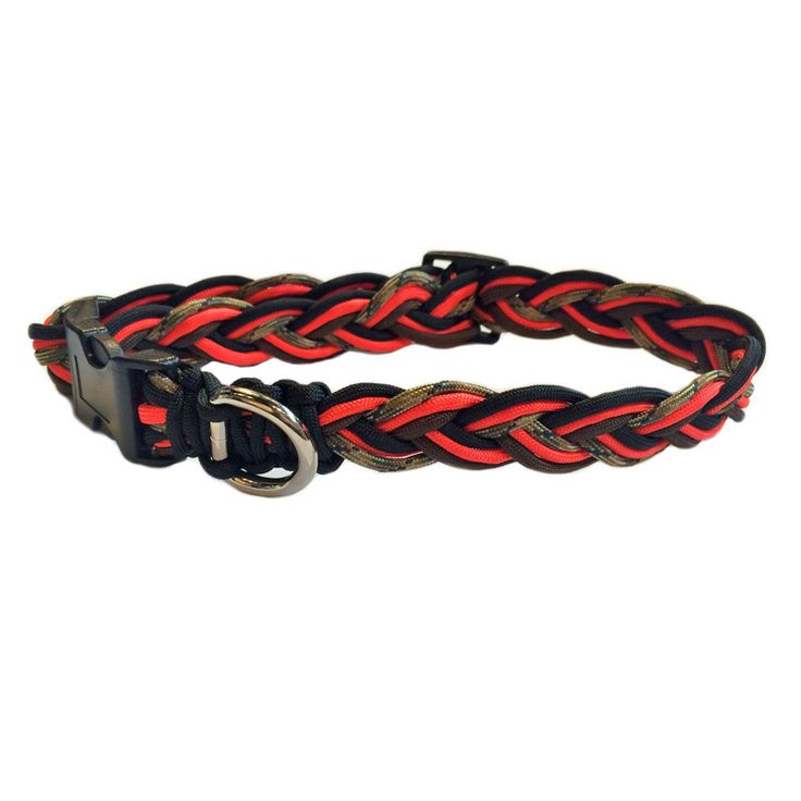 This rugged Paracord collar and leash is tough, durable and ideal for any adventure with your best furry friend! It's the perfect duo for hiking and camping, or just romps around the dog park. These c