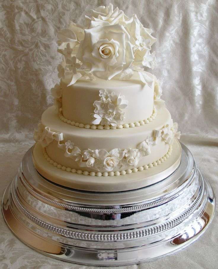 using top tier of wedding cake for christening 17 best images about cakes traditional wedding on 21515