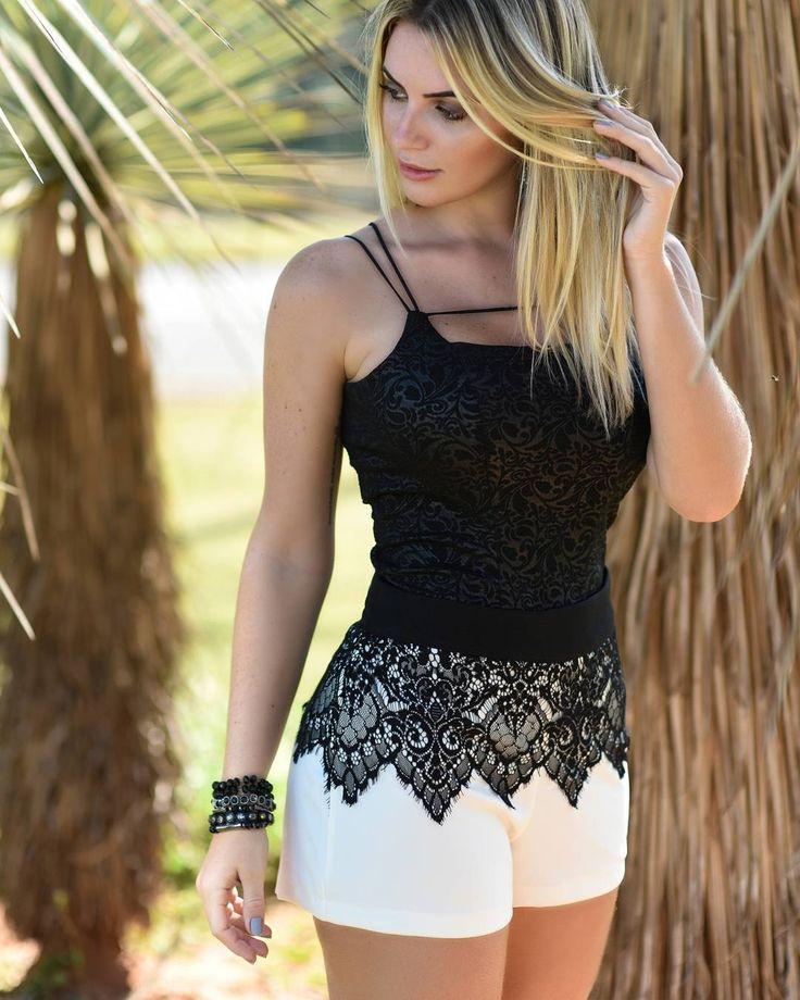 { P-E-R-F-E-C-T }  Impossível não desejar esse look completo de Body + Shortinho, que casaram tão bem que até parece um macaquinho.   Vem pra nossa loja,  e se encante por toda a coleção!  #lookdodia #lookdivo #modaparameninas #euusobananalima #inlove #instafashion #inspiration #ootd #body #short #diva #fashionblogger #lojaonline #perfect