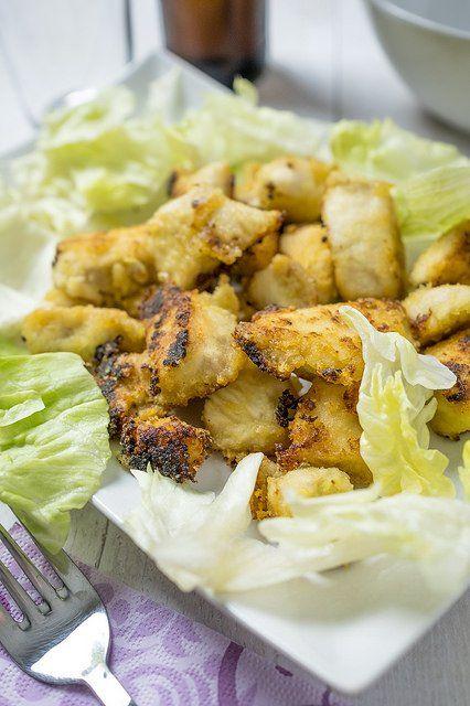 Pollo al limone: ricetta facile e veloce pronta in 20 minuti. Scopri la ricetta e video ricetta di questo pollo al limone e preparalo a pranzo o a cena.