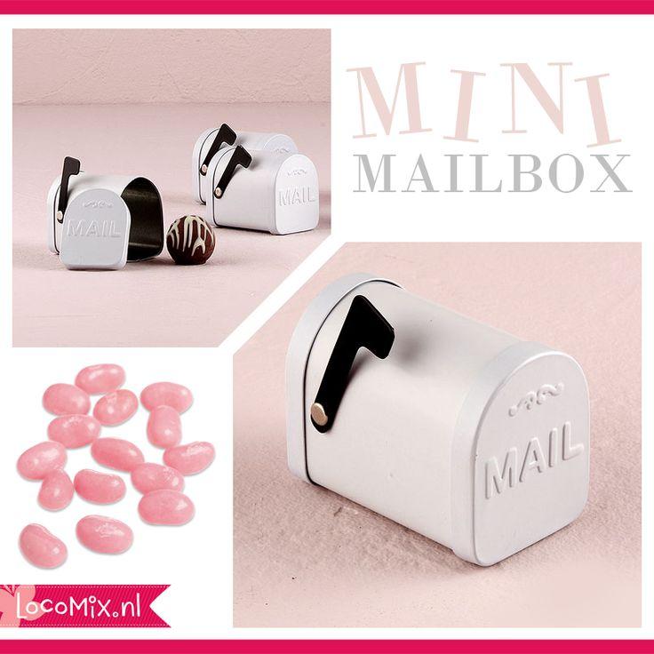 Mailbox huwelijksbedankje met snoepjes en kaartje.
