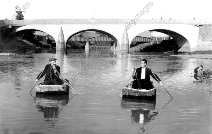 Carmarthen, Coracle Fishing on the Towy, c1950