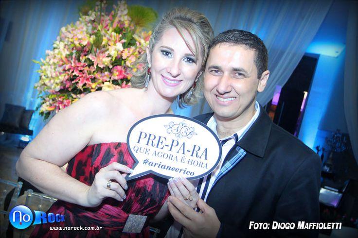 Confiram as fotos do Jantar de Noivado de Ariane e Rico, que aconteceu nos salões do Centro de Convenções de Vila Velha, e foi um luxo só!