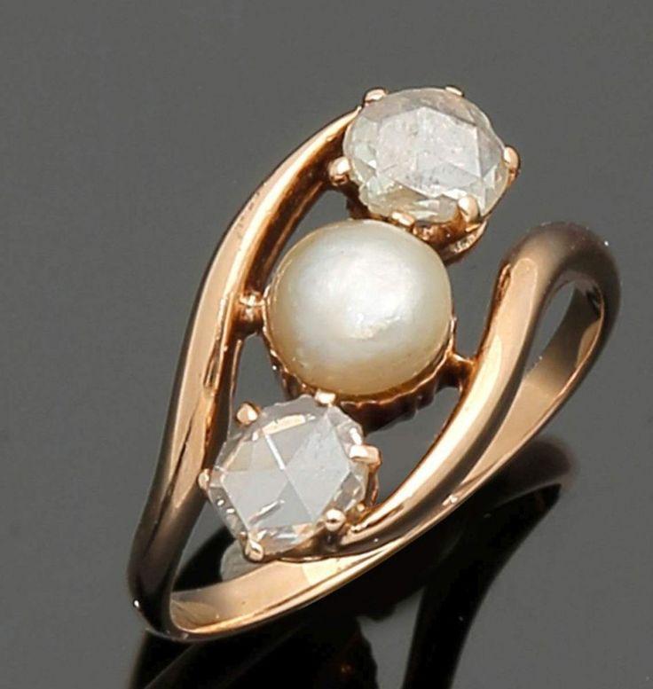 Damenring mit Diamanten und Perle750er Roségold, ungestemp. 2 Diamantrosen zus. 0,30 ct. 1 Perle (D — Schmuck