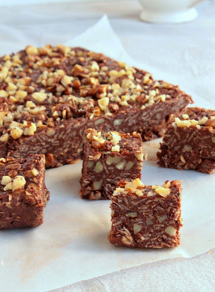 Nem acredito que é saudável!: Quadrados de chcolate e manteiga de amendoim (vegan, sem glúten). Chocolate and peanut butter squares (vegan and GF)