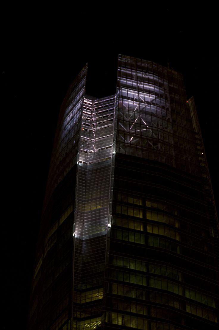 Pruebas de iluminación en fachada / Costanera Center / DLLD