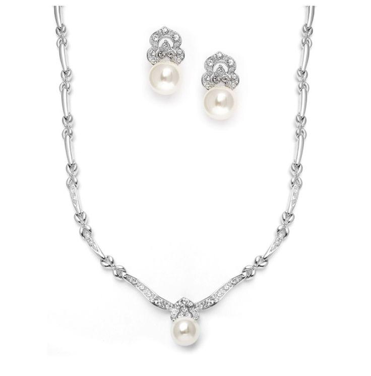 57 best bijou de mariage images on pinterest for Robe pour mariage cette combinaison collier perle mariage