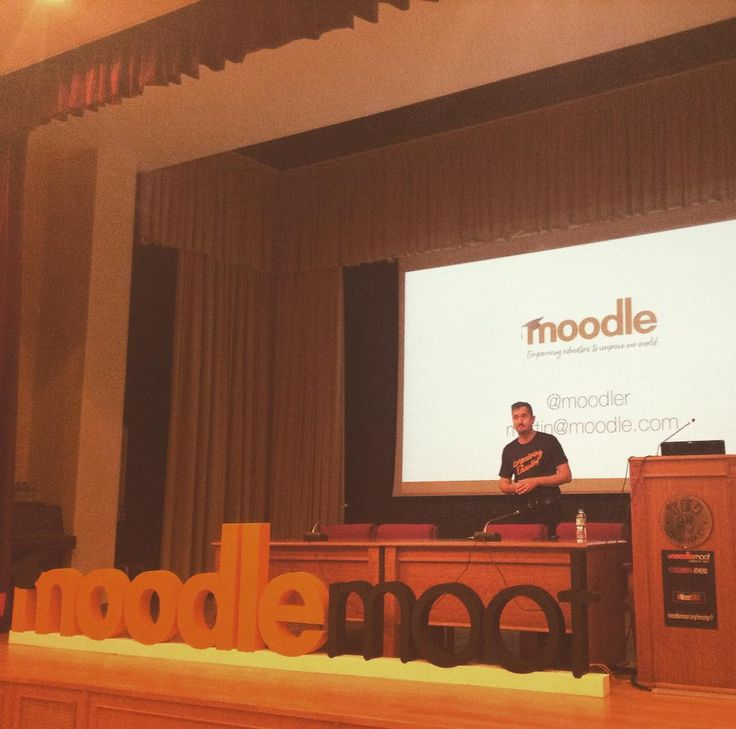 @dougiamas founder of Moodle. He's on a mission. #MootGR17