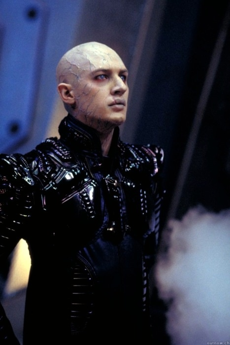 fabuloustomhardy:    [ Tom Hardy as Shinzon in Star Trek Nemesis ]
