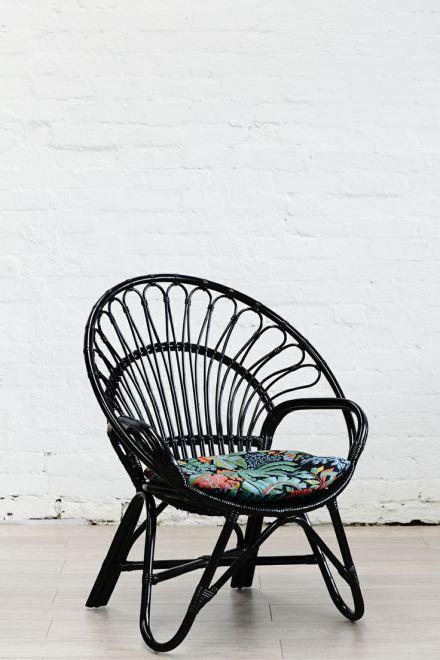 Les 25 meilleures id es de la cat gorie peindre des - Peindre un fauteuil en osier ...