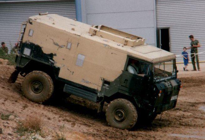 File:Land Rover 101 Forward Control.jpg