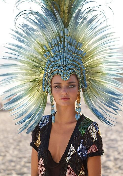 Miranda Kerr feather headdress