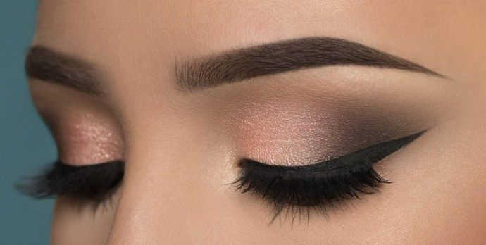 The now classical smokey eyes makeup is usually done for nighttime events and parties. It can also be e worn on casual days when you're feeling much bolder and wilder and can go with any look, from sophisticated to classy or fierce. You can wear your little black dress and suede heels to complete the look or you can go …