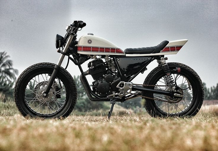 "Racing Cafè: Yamaha Scorpio 225 2014 ""The Stabbed"" by Studio Motor"