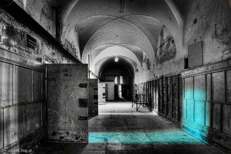 plugawy turkus 2. #Opuszczone miejsca, #abandoned, #urbex, #urban exploration