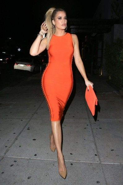 Khloe Kardashian Photos Photos - Reality star Khloe Kardashian is spotted out for dinner at the KOI Restaurant in West Hollywood, California on June 14, 2016. - Khloe Kardashian Goes Out for Dinner at KOI
