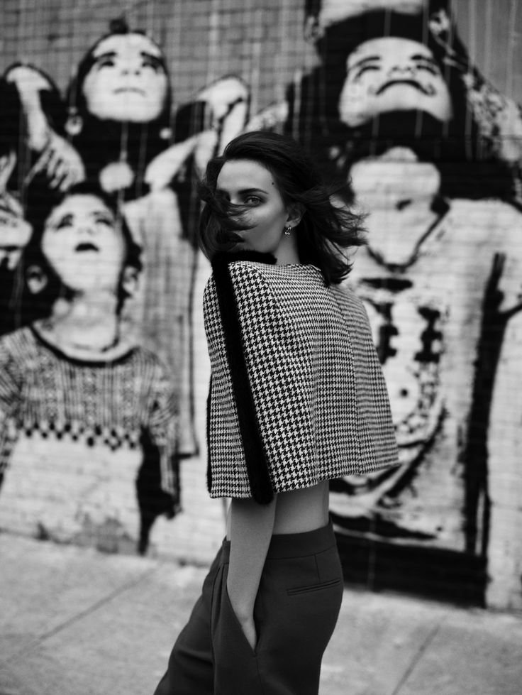 Light Motiv. Ruby Aldridge by Annemarieke van Drimmelen for Vogue Netherlands. Styled by Dimphy den Otter.