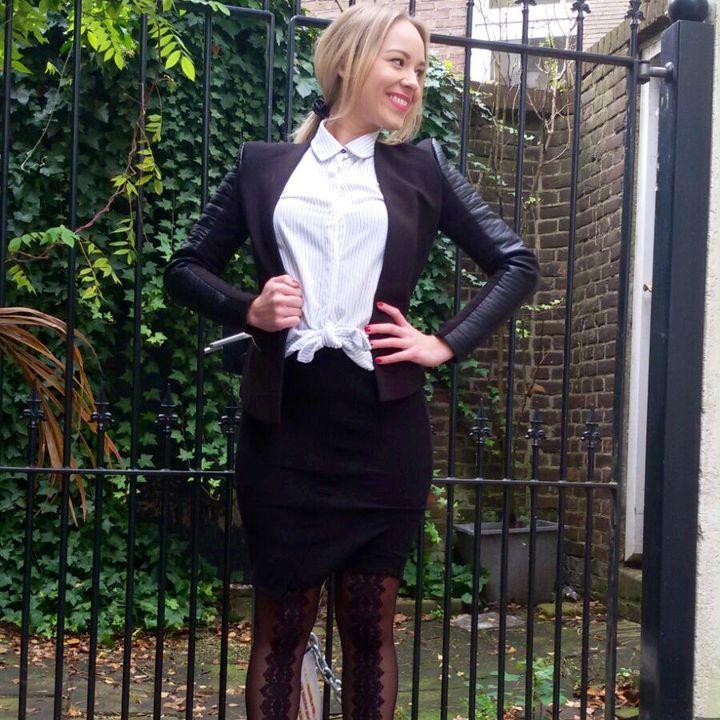 Put that lace back! - Lace Back Tights @fabulouslittleblonde