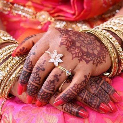 Be it a festival, marriage or any auspicious occasion, a henna ceremony is a must-have! Are you looking for an outstanding henna design? Check out our recent member Tamil Henna Creation from Denmark. She is a very talented henna artist and offer services for any occasions. Check out the video https://vimeo.com/81371180 For more info dk.tamilfunctions.com/tamil-henna-creation