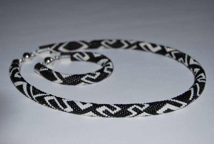 Black and White ZigZag Jewerly Set - Necklace and Bracelet made with TOHO beads by BeaduBeadu on Etsy
