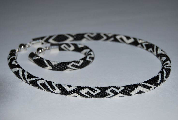 Black and White ZigZag Jewerly Set - Necklace and Bracelet made with TOHO beads by BeaduBeadu on Etsy