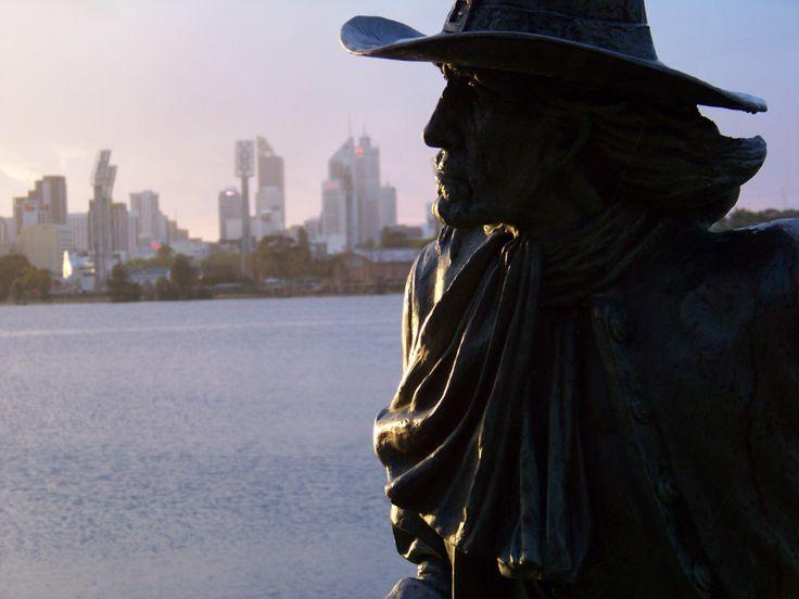 Statue of Willem de Vlamingh, Burswood, Perth