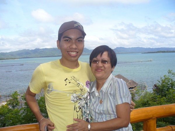 @Pevonia Botanica Philippines I want to win this treat for myself and to my mom because she needs a break from her stressful work and unwind to this beautiful place - Bohol. We both love to see Chocolate hills and cute little tarsiers. I confess that I'm a mama's boy and I proud that I have a loving and beautiful mother in my life. Happy Mother's Day mom! I love you. :)